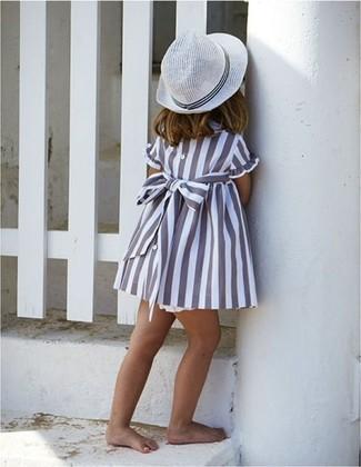 How to wear: grey dress, white hat