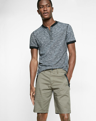 How to wear: grey henley shirt, olive shorts
