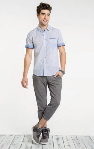 How to wear: grey high top sneakers, grey chinos, light blue short sleeve shirt