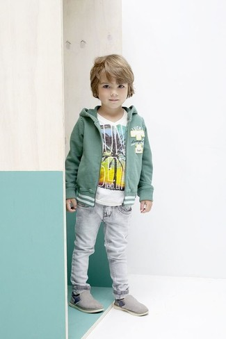 How to wear: grey sneakers, grey jeans, white t-shirt, green hoodie