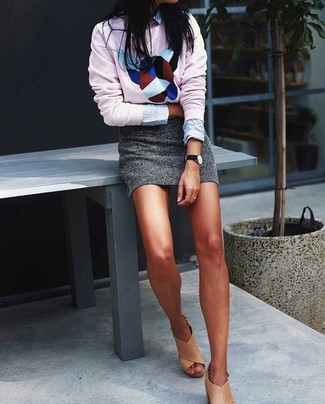 How to Wear a Light Blue Dress Shirt For Women: This combination of a light blue dress shirt and a grey mini skirt is super easy to do and so comfortable to sport as well! Tan leather heeled sandals integrate seamlessly within a myriad of getups.