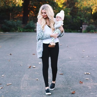 Make a grey fluffy open cardigan and black leggings your outfit choice for a comfy-casual look. Black leather slip-on sneakers look awesome here. Warmer temperatures call for cooler looks like this one.