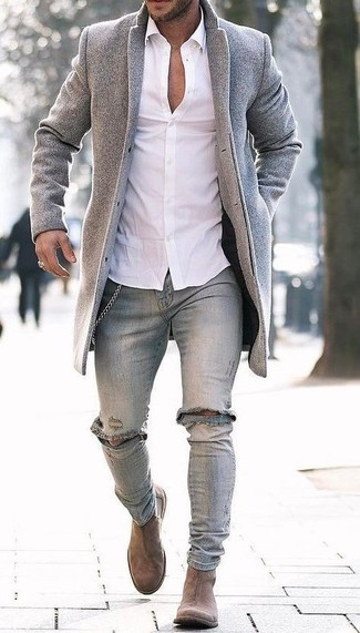 How to wear: grey overcoat, white dress shirt, grey ripped skinny jeans, tan suede chelsea boots