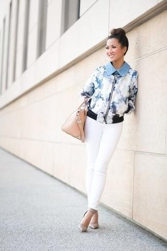 How to wear: beige leather handbag, grey leather pumps, white skinny jeans, light blue floral bomber jacket