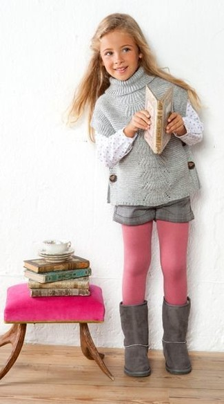 How to Wear Grey Shorts For Girls: Consider dressing your girl in a grey sweater with grey shorts for a cool, fashionable look. This look is complemented nicely with grey uggs.