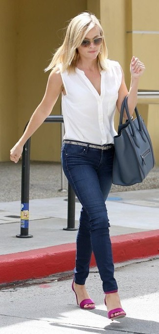 How to wear: navy leather tote bag, purple leather heeled sandals, navy skinny jeans, white sleeveless button down shirt