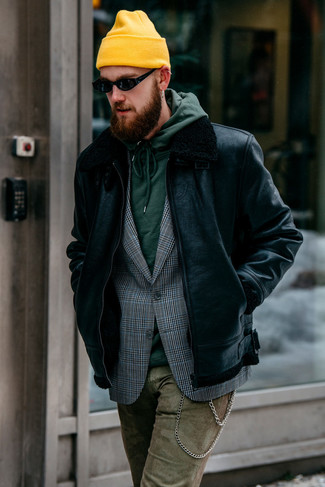 How to Wear Camouflage Pants In Winter For Men: A black shearling jacket and camouflage pants? It's an easy-to-wear look that you can wear a variation of on a daily basis. In the colder months, when warmth is the priority, it can be easy to settle for a less-than-stylish getup. However, this getup is a striking illustration that you can actually stay toasty and remain equally stylish during the colder months.