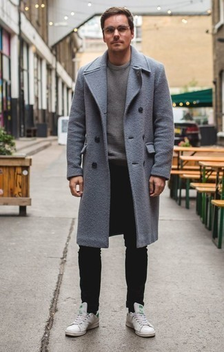 How to Wear Black Jeans For Men: A light blue overcoat and black jeans will add extra style to your day-to-day styling lineup. A trendy pair of white leather low top sneakers is an easy way to inject a hint of stylish effortlessness into your getup.