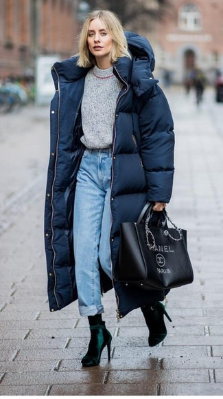 How to wear: dark green velvet ankle boots, light blue jeans, grey crew-neck sweater, navy puffer coat