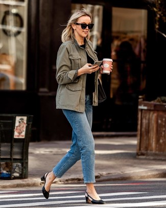 How to wear: black leather pumps, blue jeans, black crew-neck t-shirt, olive anorak