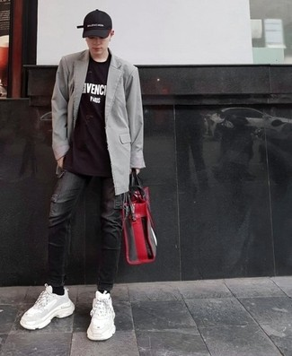 How to wear: white athletic shoes, black jeans, black and white print crew-neck t-shirt, grey blazer