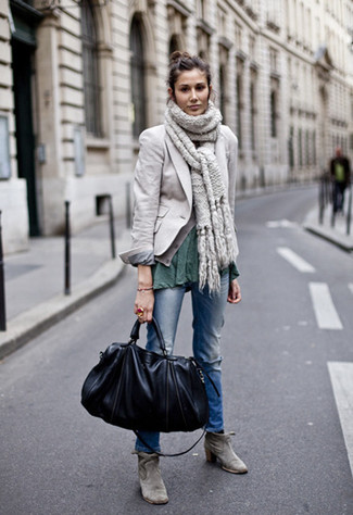 How to wear: grey suede ankle boots, blue ripped jeans, dark green crew-neck t-shirt, grey blazer