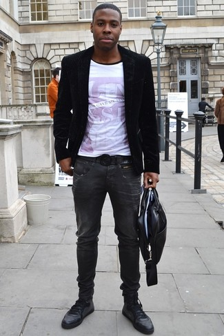 How to Wear Black Leather Low Top Sneakers For Men: For an ensemble that's worthy of a modern fashionable man and casually classic, dress in a black velvet blazer and charcoal jeans. For a more casual vibe, introduce a pair of black leather low top sneakers to the mix.