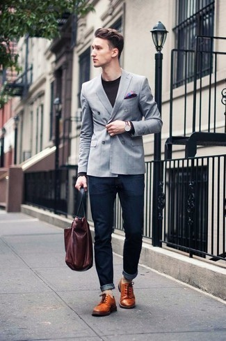 How to Wear a Burgundy Leather Tote Bag For Men: A grey blazer and a burgundy leather tote bag are the perfect base for a multitude of dapper outfits. Complete your getup with tobacco leather derby shoes to make the look a bit sleeker.