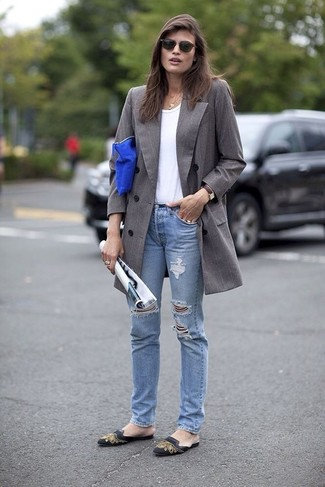 How to wear: black print leather ballerina shoes, light blue ripped jeans, white crew-neck t-shirt, grey coat