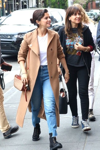 How to wear: black suede lace-up flat boots, blue jeans, white crew-neck t-shirt, beige coat