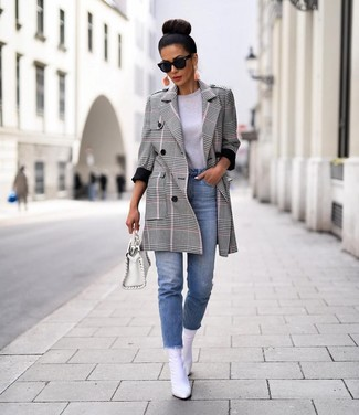 How to wear: white leather ankle boots, light blue jeans, grey crew-neck t-shirt, grey plaid coat
