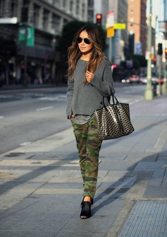 How to wear: black suede mules, olive camouflage jeans, grey crew-neck t-shirt, charcoal crew-neck sweater