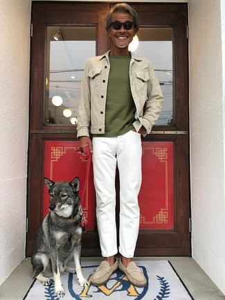 How to wear: beige suede loafers, white jeans, olive crew-neck t-shirt, beige denim jacket