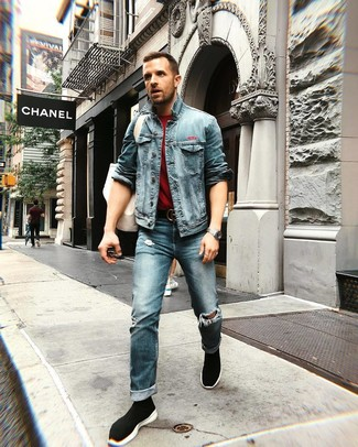 How to wear: black high top sneakers, blue ripped jeans, burgundy crew-neck t-shirt, blue denim jacket