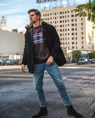 How to wear: black suede chelsea boots, blue jeans, dark brown print crew-neck t-shirt, black parka