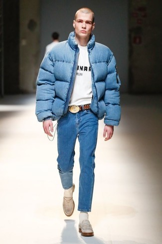 How to wear: white leather loafers, blue jeans, white and black print crew-neck t-shirt, blue puffer jacket