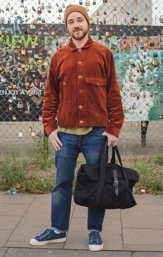 How to Wear a Tan Beanie For Men: If you want to look stylish and remain comfortable, marry a tobacco corduroy shirt jacket with a tan beanie. For something more on the sophisticated end to complement this look, introduce a pair of navy canvas low top sneakers to the equation.