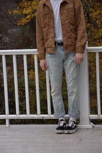 Men's Looks & Outfits: What To Wear In 2020: A tan shirt jacket and light blue ripped jeans worn together are a sartorial dream for those who love casual styles. A pair of black and white canvas low top sneakers integrates perfectly within a ton of combinations.
