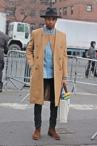 How to Wear a Grey Canvas Tote Bag For Men: Pair a camel overcoat with a grey canvas tote bag for a kick-ass and trendy ensemble. To give this getup a more elegant twist, add a pair of brown suede chelsea boots to this ensemble.