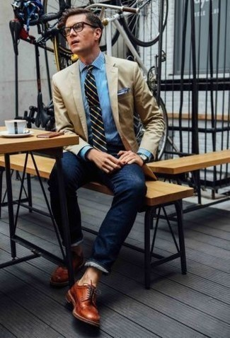 Which Blazer To Wear With Navy Jeans For Men: Bring your styling A-game by pairing a blazer and navy jeans. Rounding off with a pair of tobacco leather derby shoes is a fail-safe way to infuse a hint of class into this ensemble.