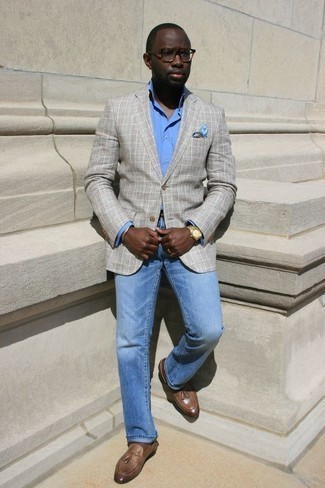 How to Wear a Light Blue Print Pocket Square: A grey plaid blazer and a light blue print pocket square are a cool outfit formula to have in your off-duty closet. For something more on the sophisticated side to complete your ensemble, rock a pair of brown leather tassel loafers.