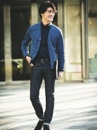 How to wear: black suede desert boots, navy jeans, navy dress shirt, blue cardigan