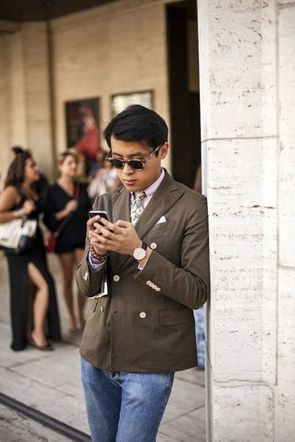 How to wear: green floral tie, blue jeans, pink dress shirt, dark brown double breasted blazer