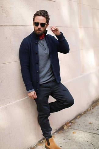 How to wear: tan suede chelsea boots, black jeans, grey henley sweater, navy cardigan