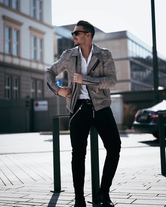 How to wear: black leather chelsea boots, black jeans, white long sleeve shirt, grey leather biker jacket