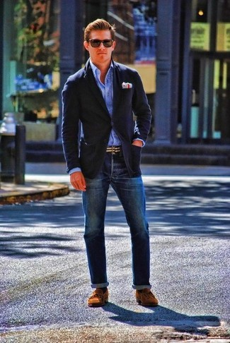 How to wear: brown suede boat shoes, navy jeans, blue long sleeve shirt, navy wool blazer