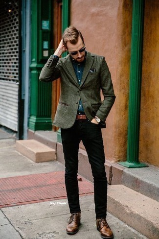 How to Wear a Navy Chambray Long Sleeve Shirt For Men: A navy chambray long sleeve shirt and black jeans worn together are a sartorial dream for gents who prefer casually stylish combinations. Complete this ensemble with brown leather brogues to effortlesslly rev up the classy factor of your outfit.