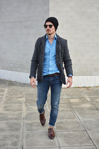 How to wear: dark brown leather oxford shoes, navy ripped jeans, blue print long sleeve shirt, charcoal knit blazer