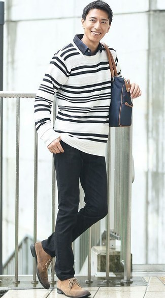 How to Wear a Navy Canvas Tote Bag For Men: Want to infuse your closet with some casual urban style? Marry a white and black horizontal striped crew-neck sweater with a navy canvas tote bag. To give this outfit a dressier feel, throw a pair of tan suede desert boots in the mix.