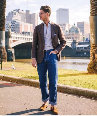 How to Wear a Dark Brown Wool Blazer For Men: Reach for a dark brown wool blazer and blue jeans for a proper refined ensemble. For a classier vibe, why not introduce tobacco suede loafers to the equation?