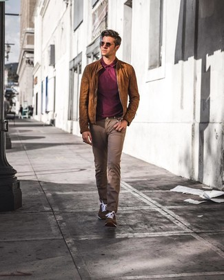 How to wear: dark brown suede low top sneakers, brown jeans, burgundy polo, brown suede bomber jacket