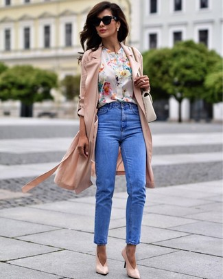 How to wear: pink leather pumps, blue jeans, white floral short sleeve blouse, pink duster coat