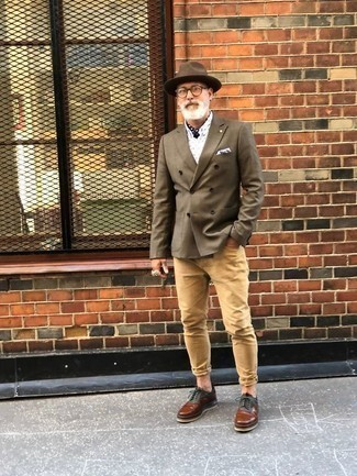 How to Wear a Bandana For Men: Opt for an olive double breasted blazer and a bandana for an off-duty getup with a modern spin. If you need to easily perk up your outfit with one single item, why not complete your outfit with brown leather derby shoes?