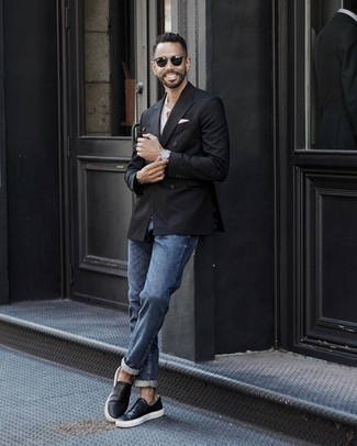 How to Wear a Double Breasted Blazer For Men: This smart casual combo of a double breasted blazer and blue jeans is extremely easy to pull together without a second thought, helping you look stylish and prepared for anything without spending too much time rummaging through your wardrobe. You can take a more laid-back approach with footwear and introduce a pair of black leather slip-on sneakers to your look.