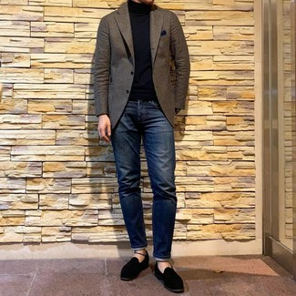 How to wear: black suede loafers, navy jeans, black turtleneck, brown wool blazer