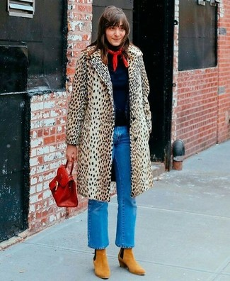 How to Wear Tan Suede Ankle Boots: Putting together a beige leopard coat with blue jeans is an amazing choice for a casually cool ensemble. To add a bit of oomph to this look, add tan suede ankle boots to the mix.