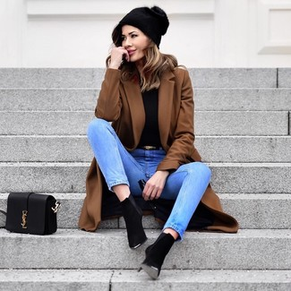 How to wear: black suede ankle boots, light blue jeans, black turtleneck, brown coat