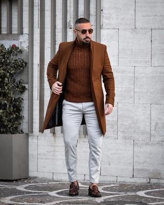 How to wear: dark brown leather loafers, white jeans, brown knit turtleneck, brown overcoat