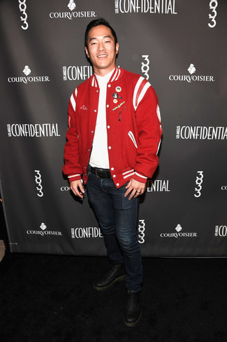 How to wear: black leather casual boots, navy jeans, white v-neck t-shirt, red bomber jacket