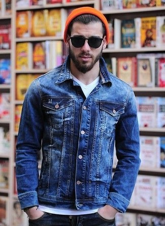 How to wear: orange beanie, navy jeans, white v-neck t-shirt, blue denim jacket